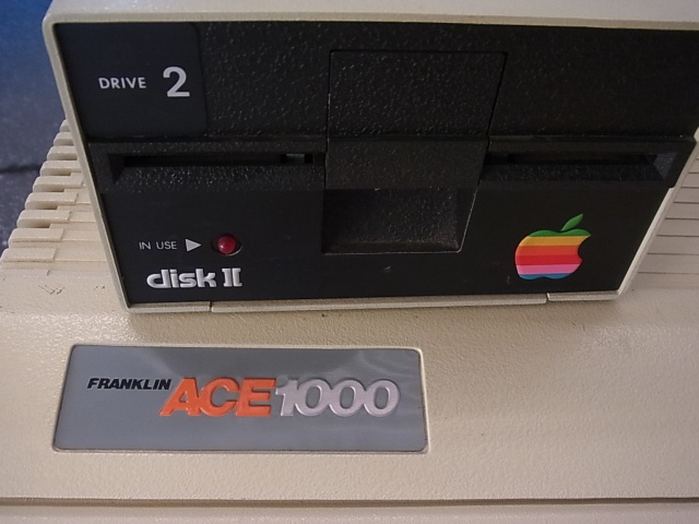Apple II ドライブと Franklin Ace 1000