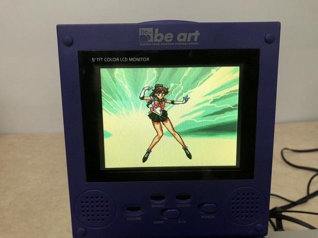 5インチ TFTモニターにスーパーファミコンの映像が出力される写真2枚目 (セーラージュピター)